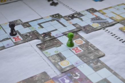 Magic Maze même s'il se joue de façon silencieuse créé beaucoup d'interactivité entre les joueurs
